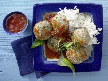 Basilikum-Kalbsklößchen mit Tomatensauce und Reis