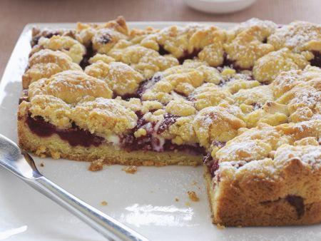 Beerenkuchen mit weißer Schokolade