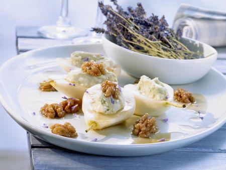 Birnen mit Roquefort-Füllung und Walnüssen