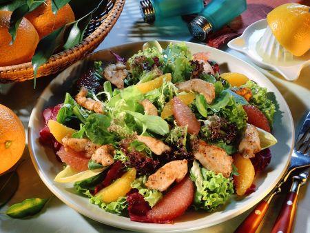 Blattsalat mit Orangendressing und Pute