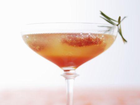 Blutorangen-Cocktail mit Rosmarin