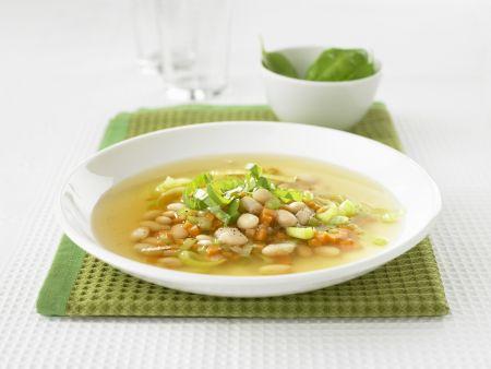 Bohnen-Gemüse-Suppe auf italienische Art