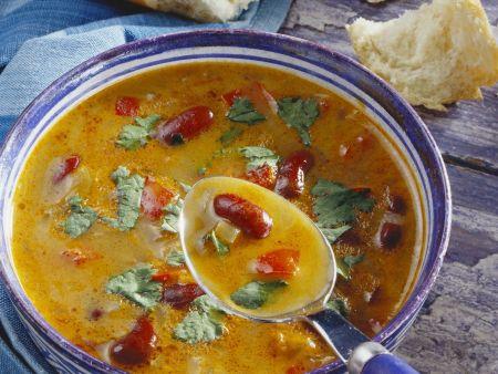 Bohnen-Paprika-Suppe mit Koriander