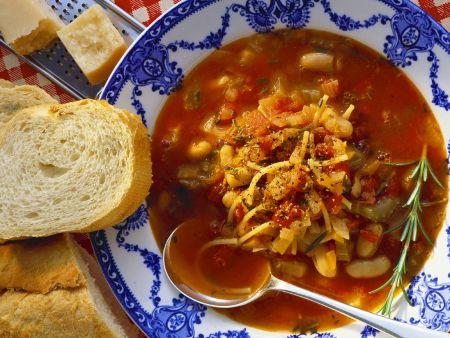 Bohnen-Tomatensuppe