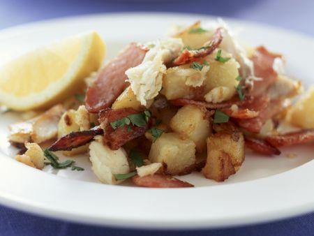 Bratkartoffeln mit geräuchertem Fisch