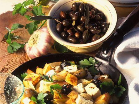 Bratkartoffeln mit Oliven und Feta