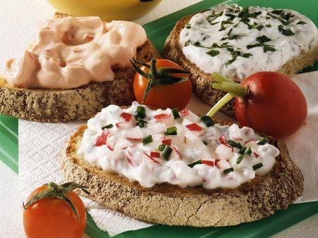 Brot mit Radieschenquark und Varianten