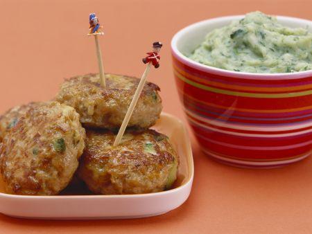 Bunte Frikadellen mit Kartoffel-Brokkoli-Brei