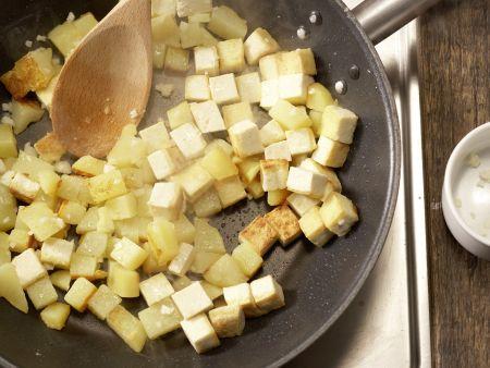 """Kartoffelpfanne """"Indianer-Schmaus"""": Zubereitungsschritt 9"""