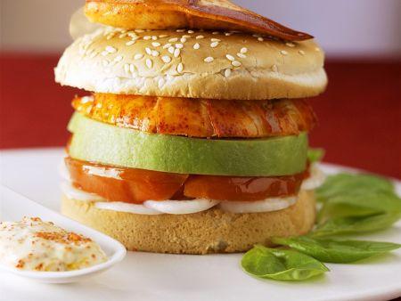 Burger mit Hummer und Avocado