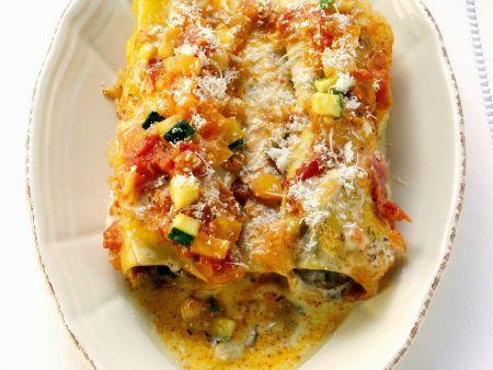 Cannelloni mit Gemüsesoße gratiniert
