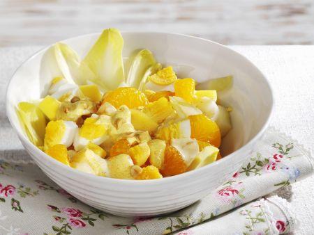 Chicorée-Mandarinen-Salat mit Ei