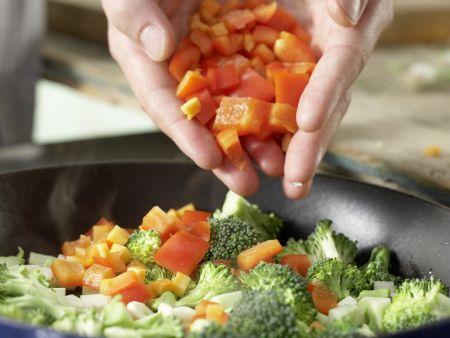 Couscous-Gemüse-Pfanne: Zubereitungsschritt 5