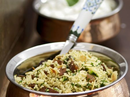 Couscous mit marokkanische Art mit Rosinen