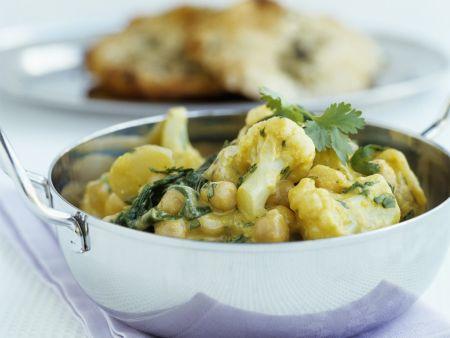 Curry mit Kichererbsen und Blumenkohl