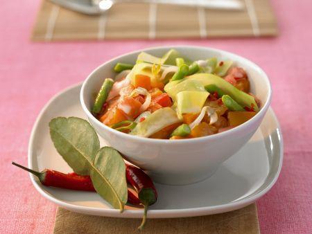 Curry mit Kürbis, Süßkartoffeln, Kohl und Bohnen