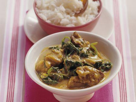 Curry mit Spinat und Lammfleisch
