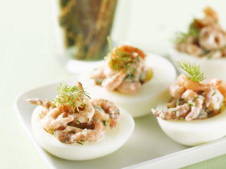 Eier mit Shrimps und Dill