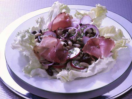Eisberg-Bohnensalat mit Schinken