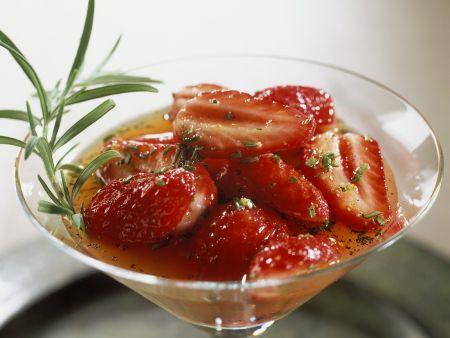 Erdbeeren in Orangensauce