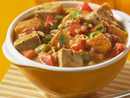 Erdnuss-Tofu-Topf