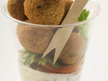 Falafel mit Joghurtdip
