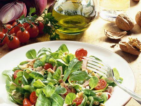 Feldsalat mit Nüssen