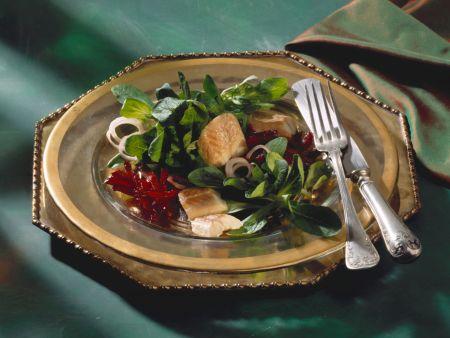 Feldsalat mit Roter Bete und Räucheraal