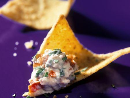 Feta-Knoblauch-Dip mit Nachos