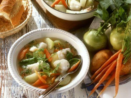 Fischsuppe mit jungem Gemüse und Kerbel