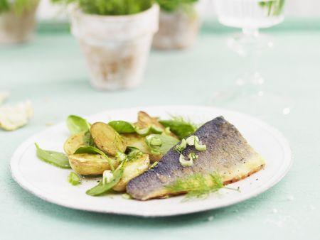 Forelle mit Ofenkartoffeln und Spinat