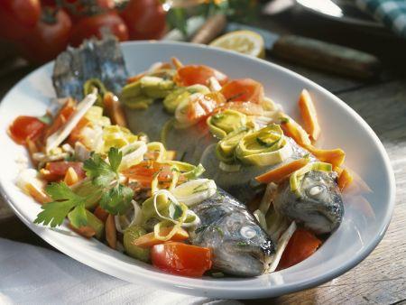 Forellen mit Lauch-Möhren-Gemüse