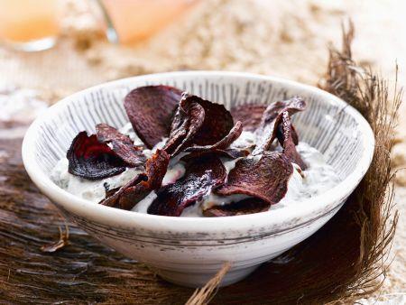 Frittierte Rote-Bete-Scheiben mit Joghurtdip