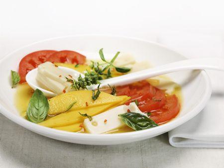 Tomaten-Käse-Salat mit Mango
