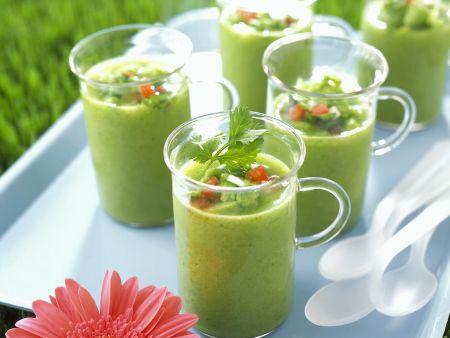 Kalte Gemüsesuppe auf spanische Art (Gazpacho)
