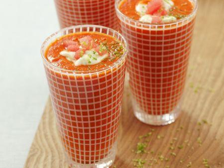 Gazpacho mit Wassermelone, Schmand und Limette