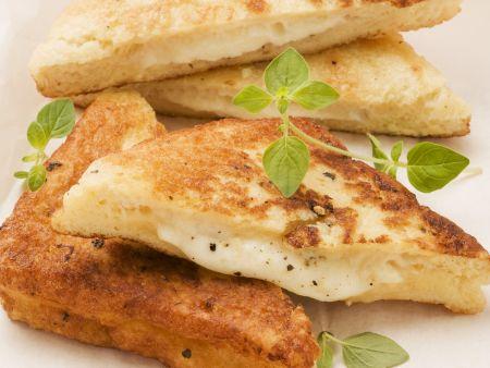Gebackene Mozzarella Sandwichs