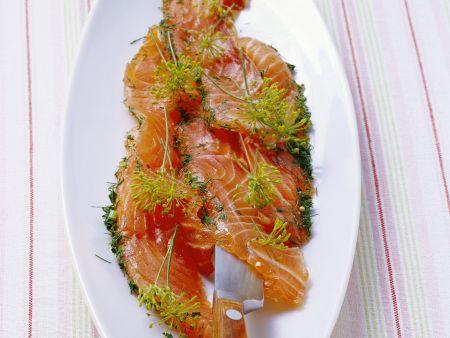 Gebeizter Lachs mit Dill
