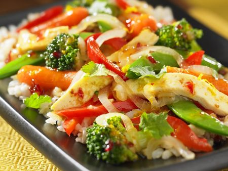 Gebratenes Gemüse mit Tofu