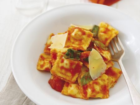 Gefüllte Pasta mit Spinat und Ricotta