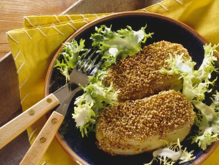 Gefülltes Kohlrabi-Schnitzel mit Sesampanade