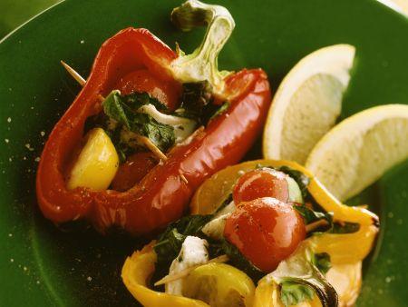 gegrillte halbe paprika mit schafsk se tomaten f llung rezept eat smarter. Black Bedroom Furniture Sets. Home Design Ideas