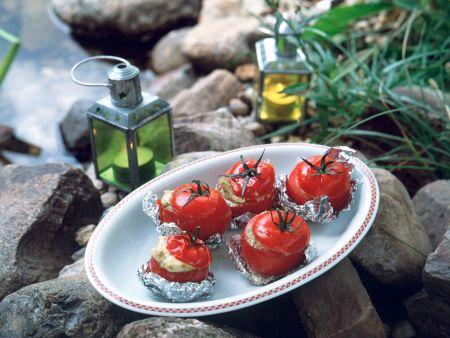 Gegrillte Mozzarella-Pesto-Tomaten
