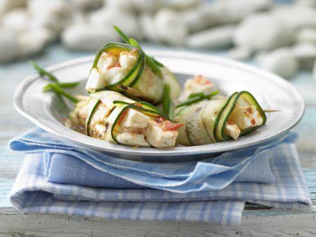 Gegrillte Zucchini-Röllchen mit Schafskäse