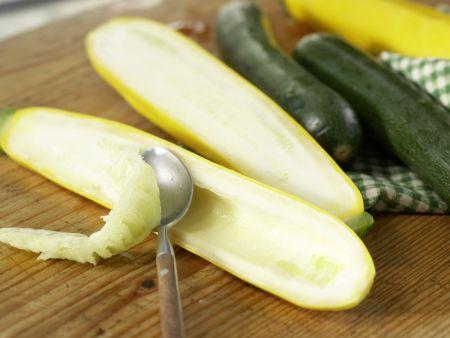 gegrillte zucchini mit topping rezept eat smarter. Black Bedroom Furniture Sets. Home Design Ideas