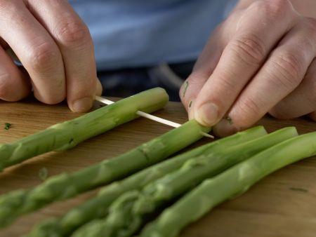 Gegrillter grüner Spargel: Zubereitungsschritt 9
