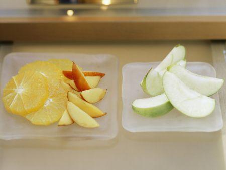 Gemischtes Obst mit Kokosdip