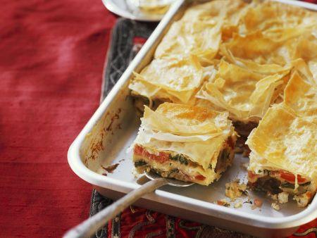 Gemüse-Feta-Auflauf mit Yufka-Teig (Börek)