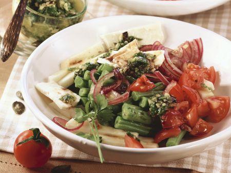 Gemüse-Feta-Salat mit Pesto