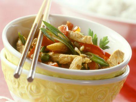 Gemüse-Hähnchen-Pfanne auf asiatische Art
